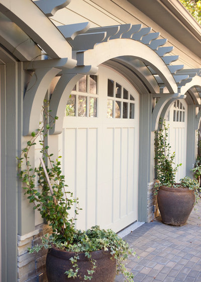 Traditional Garage by Three River Stone