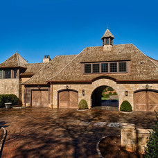 Traditional Garage And Shed by Gabriel Builders Inc.