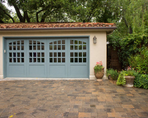 1,380 Mediterranean Garage And Shed Design Ideas & Remodel