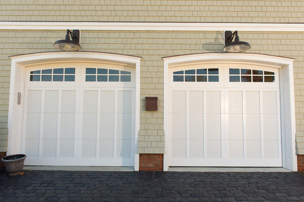 Beach Style Garage And Shed by CMM Construction Inc.