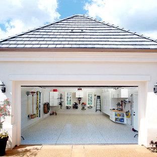 Inspiration pour un garage pour une voiture traditionnel.