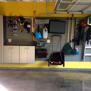 Idéer för mellanstora 50 tals tvåbils garager och förråd