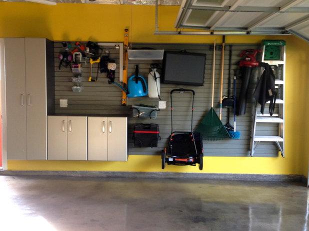 Midcentury Garage GARAGE
