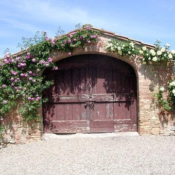 Garage in Tuscany
