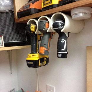 Idées déco pour un garage craftsman avec un bureau, studio ou atelier.