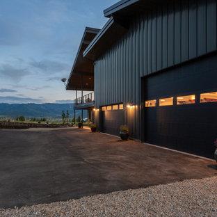 Eclectic garage photo in Salt Lake City