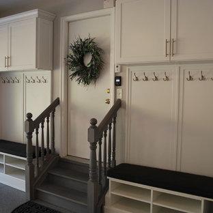 Inspiration för mellanstora klassiska tillbyggda garager och förråd