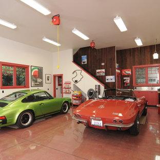 Immagine di un garage per due auto bohémian