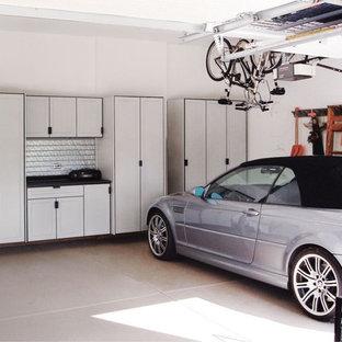 Bild på ett stort vintage tvåbils kontor, studio eller verkstad