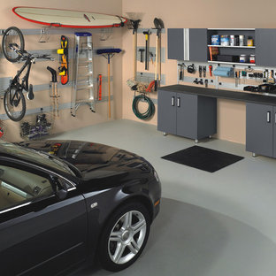 Ejemplo de garaje adosado, actual, de tamaño medio, para dos coches
