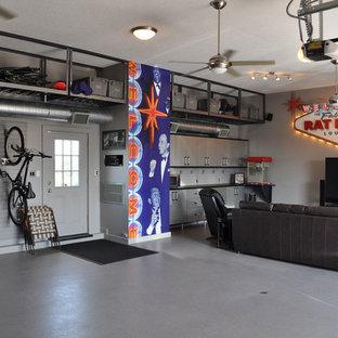 Foto di grandi garage e rimesse connessi eclettici con ufficio, studio o laboratorio