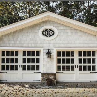 Inredning av en klassisk fristående garage och förråd