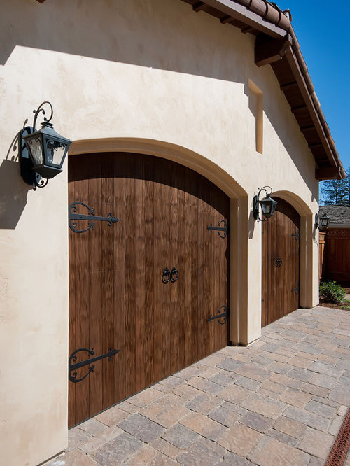 Stucco garage home design ideas pictures remodel and decor for Stucco garage