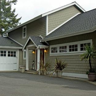 Inspiration för en mycket stor amerikansk tillbyggd garage och förråd