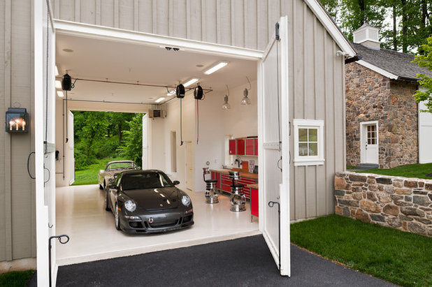 Landhausstil Garage by Griffiths Construction, Inc.