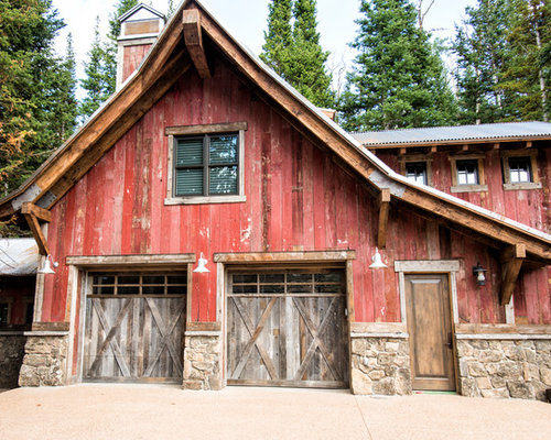 Rustic garage with living quarters home design photos for Barn style garage with living quarters