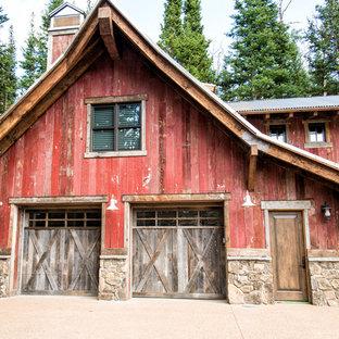 Immagine di garage e rimesse rustici