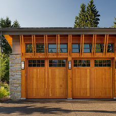 Contemporary Garage And Shed by Quiniscoe Homes Ltd.