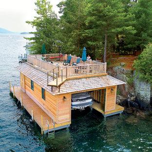 他の地域の独立型ラスティックスタイルのおしゃれなボートハウス (1台用) の写真