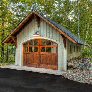 Aménagement d'un garage pour une voiture séparé montagne de taille moyenne.