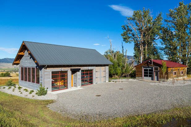 Rustic Garage by Dovetail Construction