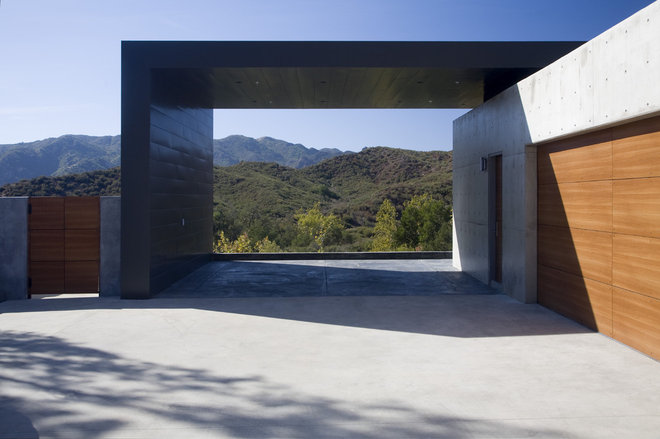 Modern Garage And Shed by Abramson Teiger Architects