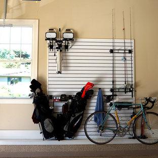 Aménagement d'un garage pour deux voitures attenant industriel.