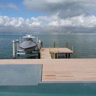 Exempel på ett stort modernt fristående båthus