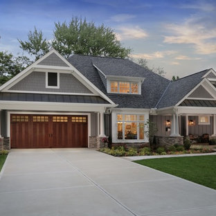 Design ideas for a traditional attached double garage in Cincinnati.