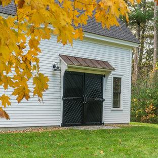 Réalisation d'un grand garage séparé champêtre avec un bureau, studio ou atelier.