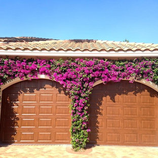 Inspiration for a mediterranean garage in Miami.