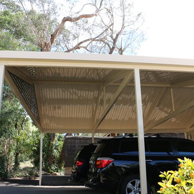 Example of a large minimalist detached two-car carport design in Melbourne