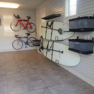 オーランドのビーチスタイルのおしゃれなガレージの写真