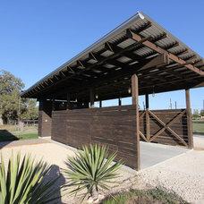 Industrial Garage And Shed by Ignacio Salas-Humara Architect LLC