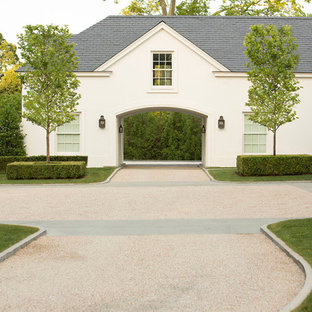 Elegant attached porte cochere photo in New York