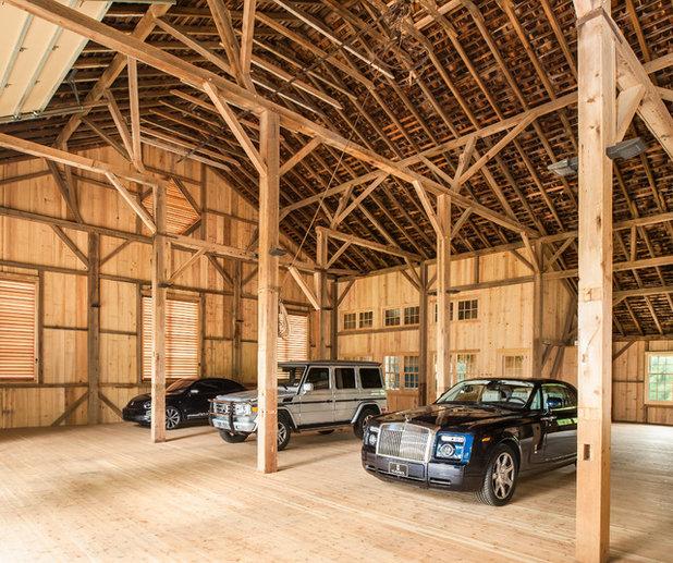 Landhausstil Garage by Archer & Buchanan Architecture, Ltd.