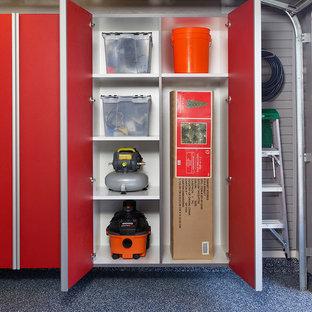 Idéer för små funkis tillbyggda tvåbils garager och förråd