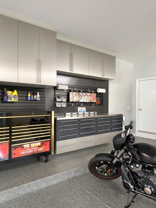 Example of a trendy garage workshop design in Chicago