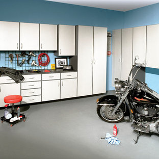 Spacious Garage Cabinets