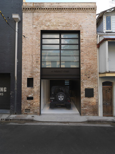 Industrial Garage by Ian Moore Architects