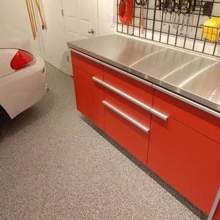 Inspiration pour un petit garage design.