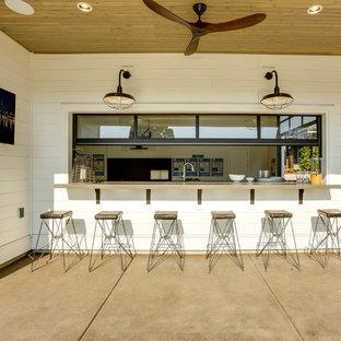 Idéer för en stor lantlig fristående garage och förråd