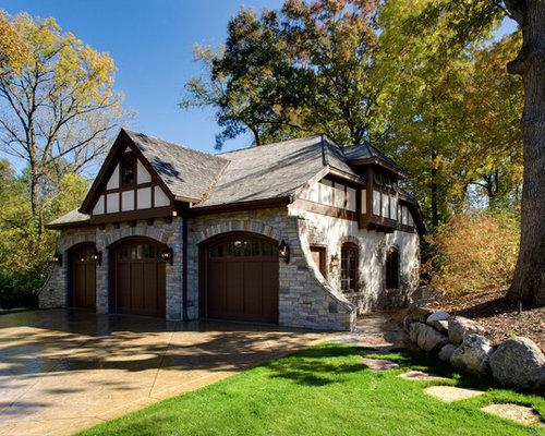 Tudor garage door styles home design ideas pictures for Garage garcia saint mammes