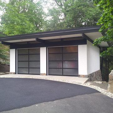 Tuxedo Park Garage