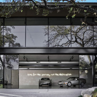 Inspiration pour un très grand garage pour quatre voitures ou plus séparé minimaliste.