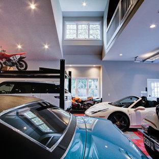 Inredning av ett klassiskt stort fristående fyrbils kontor, studio eller verkstad