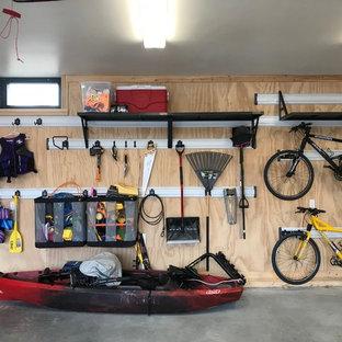 Réalisation d'un grand garage attenant marin.