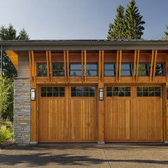 eclectic garage and shed by site lines architecture inc.