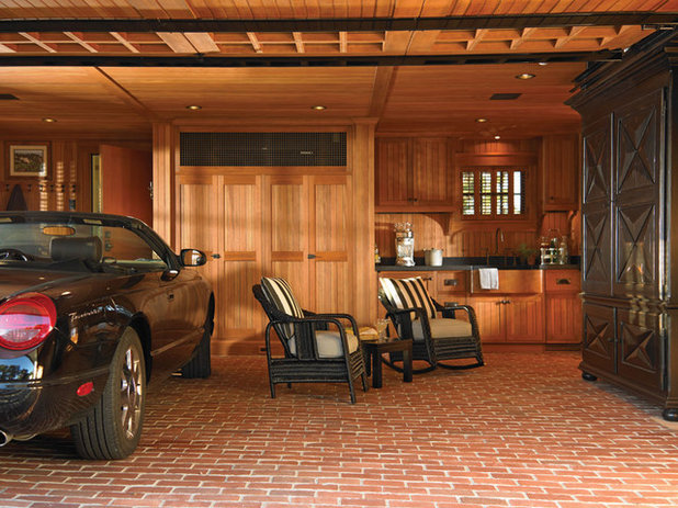 Eclectic Garage by Woodmeister Master Builders