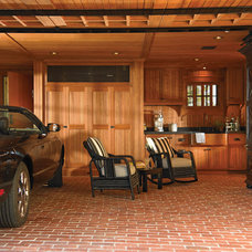 eclectic garage and shed by Woodmeister Master Builders
